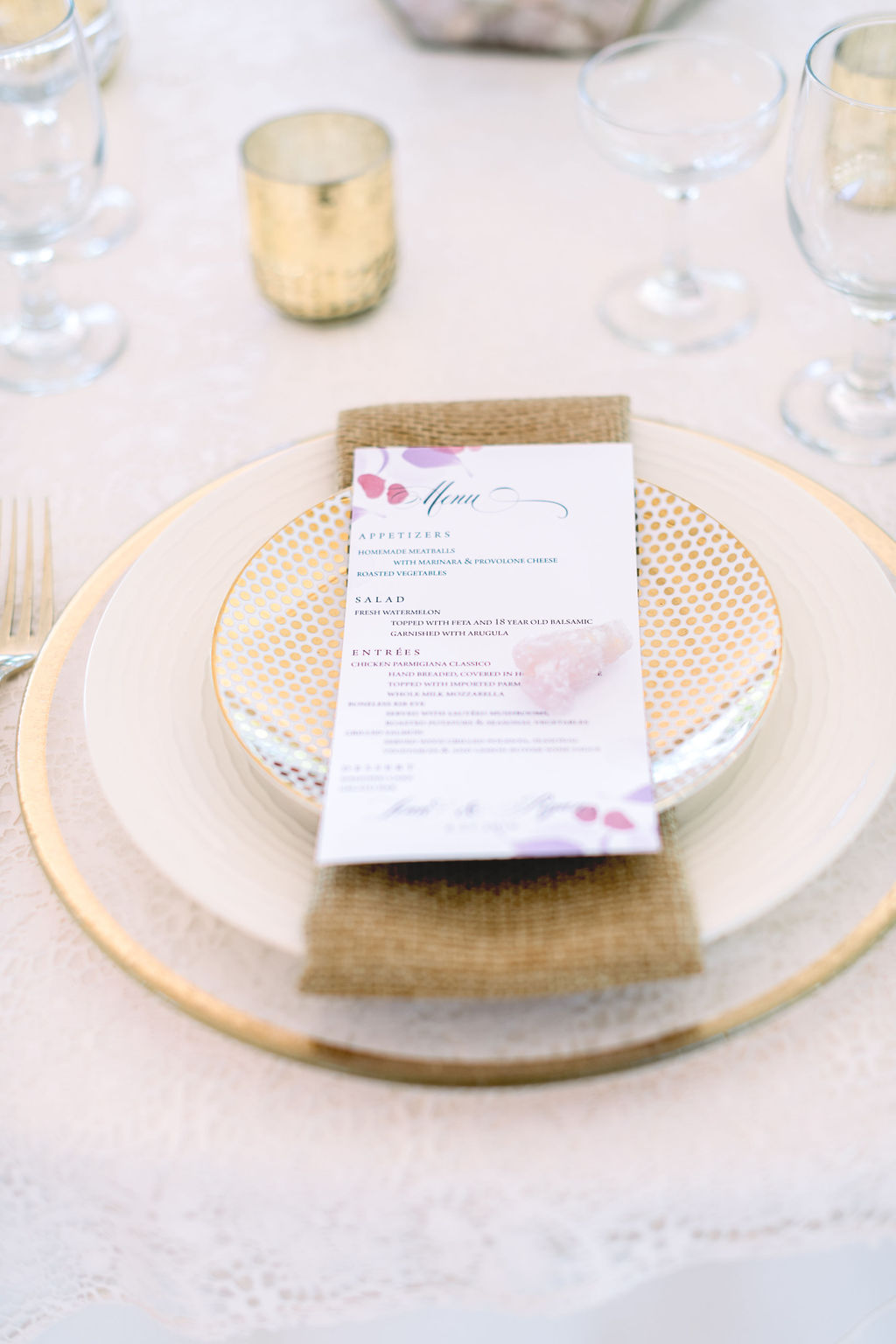 A Ivory Dotty placesetting