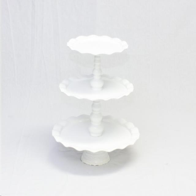 Where to rent CUP CAKE STAND, WHITE in Cottonwood AZ